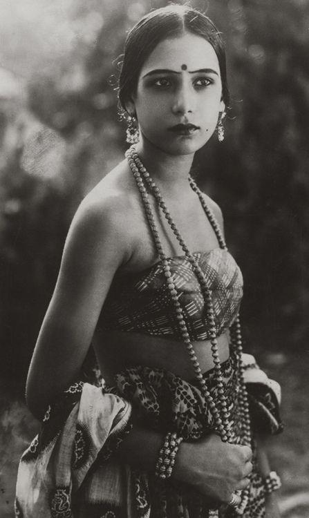 Anglo-Indian actress Seeta Devi (born Renee Smith), 1925