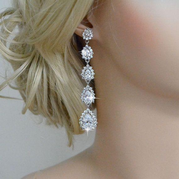 チェーンタイプのゴージャスイヤリング☆ 花嫁の付けるイヤリング一覧。ウェディング・ブライダルの参考に。