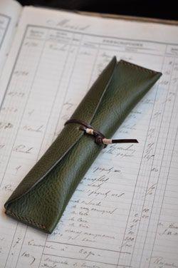 Elfin case for holding wondrous tools like pencils, pens, brushes, erasers, & co.