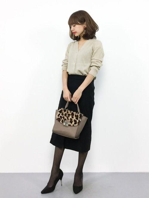 Mila Owenのカーディガン「ヴィエラヤーンワイドリブVネックカーディガン」を使ったeriko(ZOZOTOWN)のコーディネートです。WEARはモデル・俳優・ショップスタッフなどの着こなしをチェックできるファッションコーディネートサイトです。