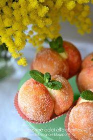 DOLCISOGNARE: Peschine dolci all'alchermes