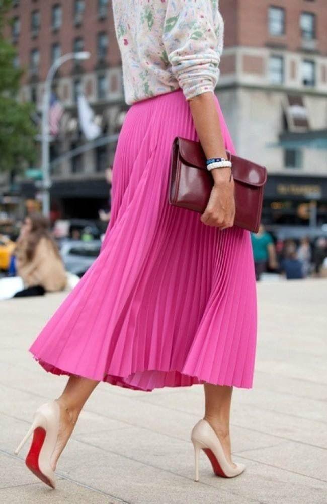 #streetstylePink Maxi, Midi Skirts, Fashion, Pink Skirts, Street Style, Hot Pink, Pink Pleated, Pleated Skirts, Maxis Skirts
