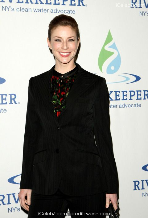 Diane Neal Riverkeeper Fisherman's Ball Red Carpet at Chelsea Piers http://icelebz.com/events/riverkeeper_fisherman_s_ball_red_carpet_at_chelsea_piers/photo7.html