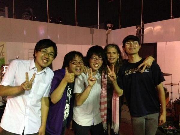 イーゼル芸術工房 (easel_art)さんTwitterより with Steven Tyler
