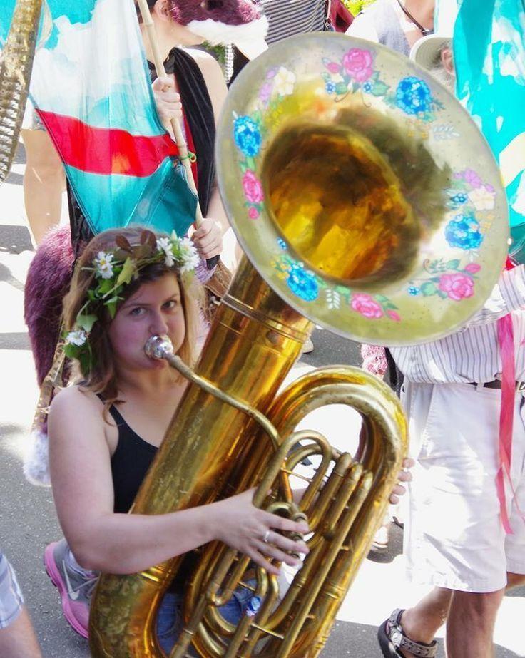 Αποτέλεσμα εικόνας για tuba girl