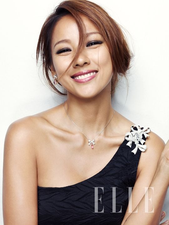 Lee Hyori shines in Swarovski jewelry for 'Elle'