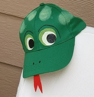 Frog cap: Hat Craft, Frog Baseball, Frogs, Baseball Caps, Craft Ideas, Baseball Hats, Crafts