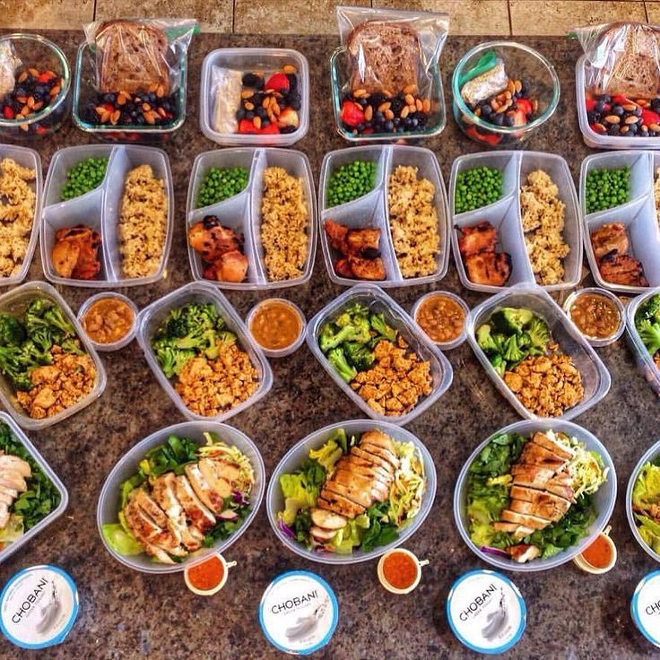"""Eat clean live lean! Meal prep masterpiece from @lvnfit  straight killed it! :::::::::::::::::::::::::::::::::::::::::"""" Mealprep has been on my mind to save me time. Here's one of the preps I did and will use to design another one soon. All prepped and ready to reheat & eat. . Meal 1 1/2 cup of strawberries 1/2 cup of BlackBerries 1/4 cup of blueberries 14 almonds (1/2 oz) 1 scoop of protein powder and 1/4 cup dry steel cut oats (cook in microwave with 3/4 cup water in morning) OR instead…"""