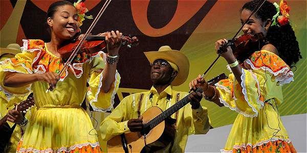 Las categorías que compiten en el Festival Petronio Álvarez son chirimía, marimba, violines caucanos y versión libre.