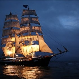 Mercedes: Pirates Ships, Dreams Home, Night Sailing, Sailing Ships, Tall Ships, Sailing Photography, Dreams Boats, The Sea, Tropical Places