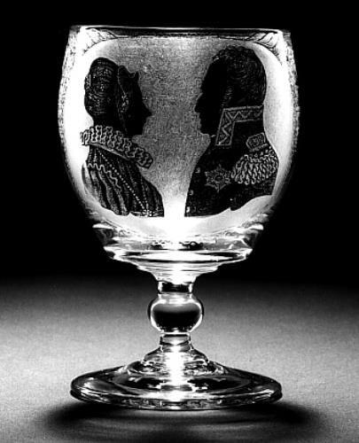 Kelkglas PORTRET WILLEM I EN ECHTGENOTE, 1819 Adrianus (II) Hoevenaar (1764 - 1832) (glasgraveur)