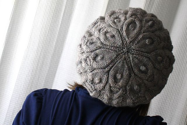 Cabilicious Knit Beret Pattern by Circé Belles Boucles on Ravelry