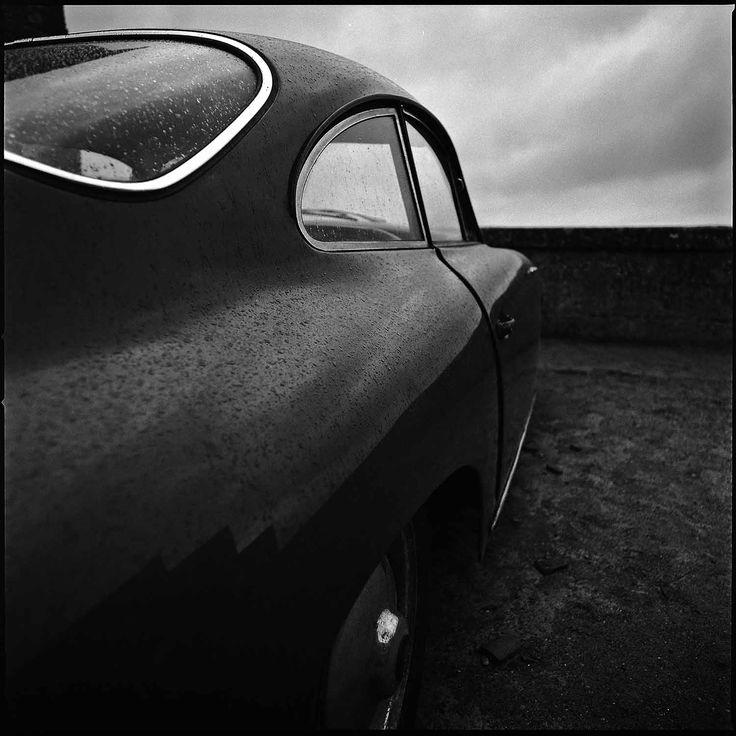 Il design (quasi) romantico di una Porsche in bianco e nero