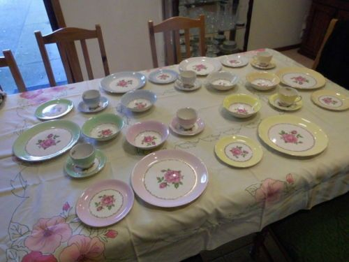 Vintage-ALFRED-MEAKIN-ELEGANCE-Roses-DINNER-SET-30pc-Pick-Up-Deer-Park-Vic-3023