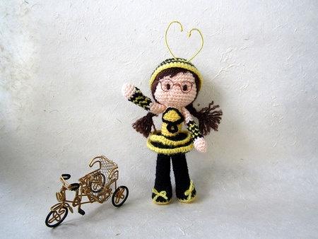 Amigurumi Bee Girl Free Pattern : 17 Best images about AMIGURUMI - BAMBOLE on Pinterest ...