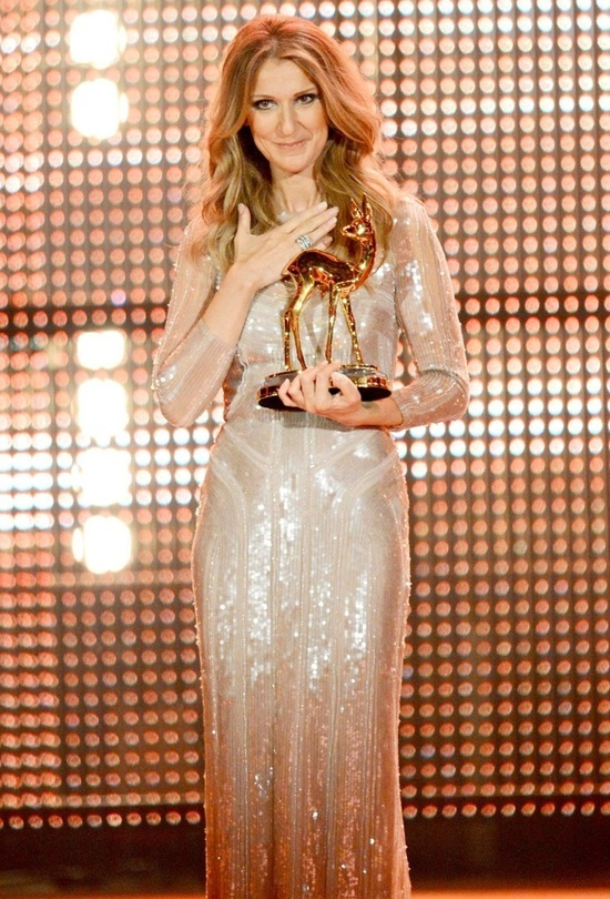 Celine Dion Receiving Award At The Awards Ceremony #CelineDion #Music #Awards #Concerts #AskaTicket