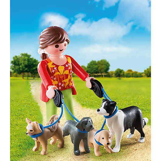 Die Hundesitterin (PLAYMOBIL-Nr.: 5380) aus der Special Plus Reihe zum Spielen und Sammeln!<br /> <br /> Features:<br /> - Hunde: Chiuahua, Doggenwelpe, Hundewelpe, Border Collie<br /> <br /> Inhalt:<br /> - Figuren: 1 Hundesitterin<br /> - Tiere: 2 Hunde, 2 Hundewelpen<br /> - Zubehör: 2 Hundeleinen mit Griff