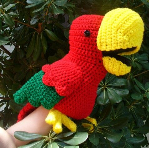 parrot hand puppet: Crochet Toys Animal, Puppets Crochet, Chacos Parrots, Crochet Animal, Crochet Puppets, Crochet Hands Puppets Patterns, Parrots Puppets, Puppets Parrots, Crochet Patterns