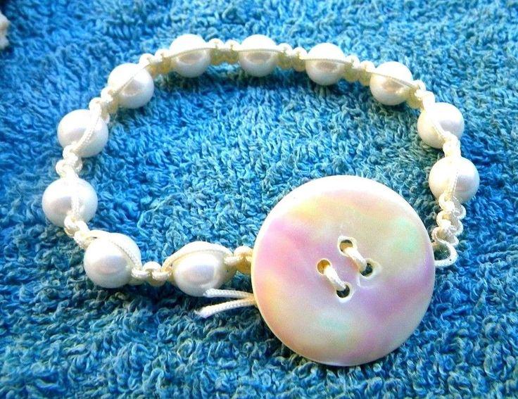 bracelet shamballa blanc, perles de majorque et bouton nacre (boho)