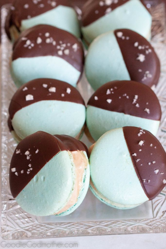 Make your own ice cream macarons! It's so easy to make these beautiful ice cream sandwiches.