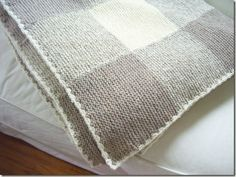 Gingham knitted blankie - this is on my list of things to knit (if I get to live to 120!)