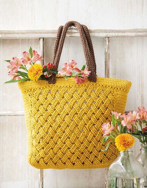 The sublime bags in this Italian designer collection have timeless fashion allure. All crocheted using medium weight cotton yarns, 8 styles range from chic to casual.