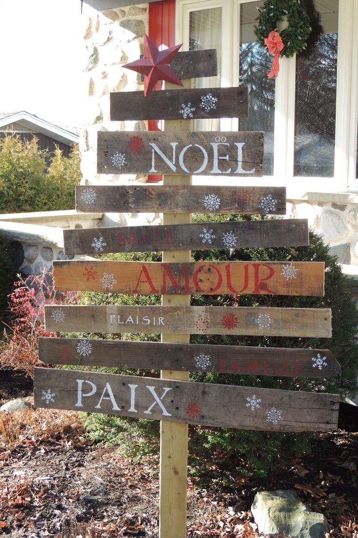 Christmas tree in rustic wood sapin de noel en bois de - Sapin de noel en bois de palette ...