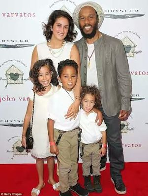 Bob Marley's son, Ziggy Marley and his wife, Orly welcome fourth child - http://www.thelivefeeds.com/bob-marleys-son-ziggy-marley-and-his-wife-orly-welcome-fourth-child-2/