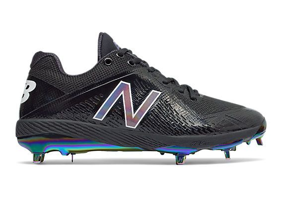The 4040v4 metal cleat is built with amazing mid-foot support, low profile cleats for superior grip and strategically-placed cushioning to make your game almost effortless.