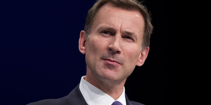 "Jeremy Hunt is either guilty of either ""extreme political arrogance"" or moves to ""destabilise the NHS"" by claiming 6,000 excess NHS deaths a year happen at the weekend, a damni"