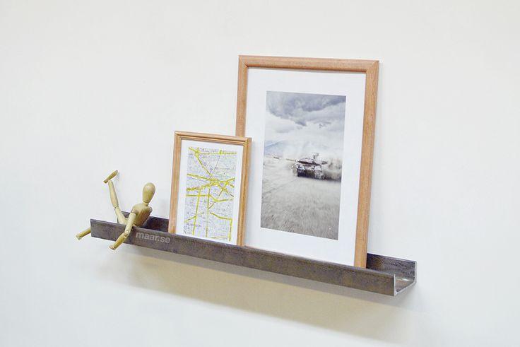Artwork shelf. Posters shelf. Waal shelf loft. Лофт полка для картин.