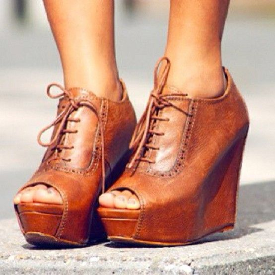 LOVE these cognac laceup wedges!