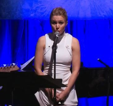 'Frozen' Treat: Kristen Bell Sings in All of Anna's Voices