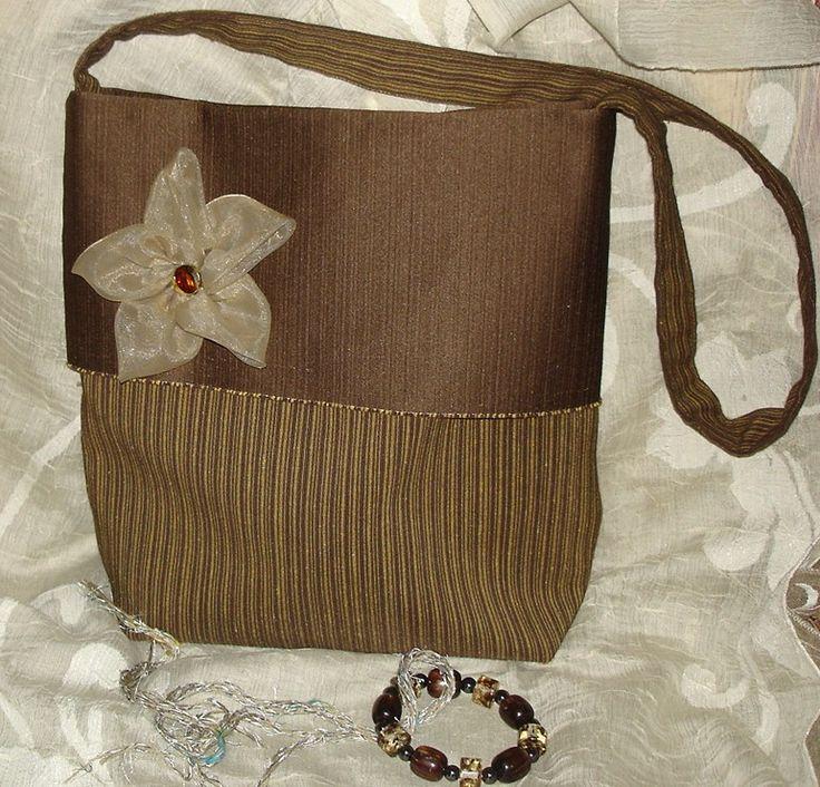 borsa a tracolla con fiore in organza