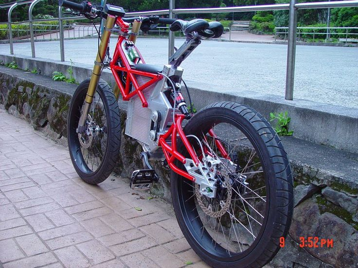 Batteries from GEB.http://www.gebattery.com.cn Gebattery: Top 10 Fast Electric Bikes--#7  Dogati 55-MPH Supe...