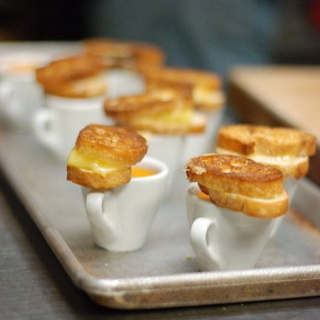 Small Bites - mini soup & grilled cheese
