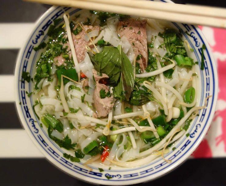 Rezept Pho Bo - Vietnamesische Reisnudelsuppe von ThorsProvoni - Rezept der Kategorie Suppen