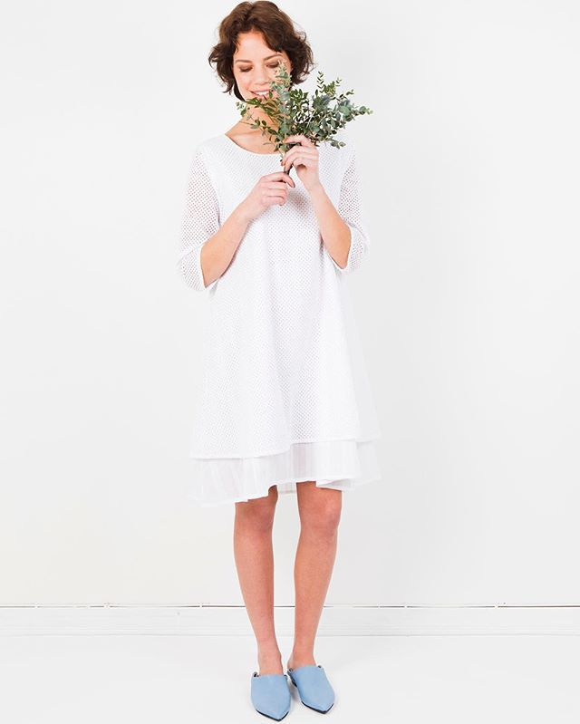 Lux dress | for summer's festivities. 100% cotton, made in Helsinki. We still have few pieces left!  #arelastudio #alonetogether #arelacotton #whitedress #cotton #summerdress #madeinpunavuori  www.arelastudio.com