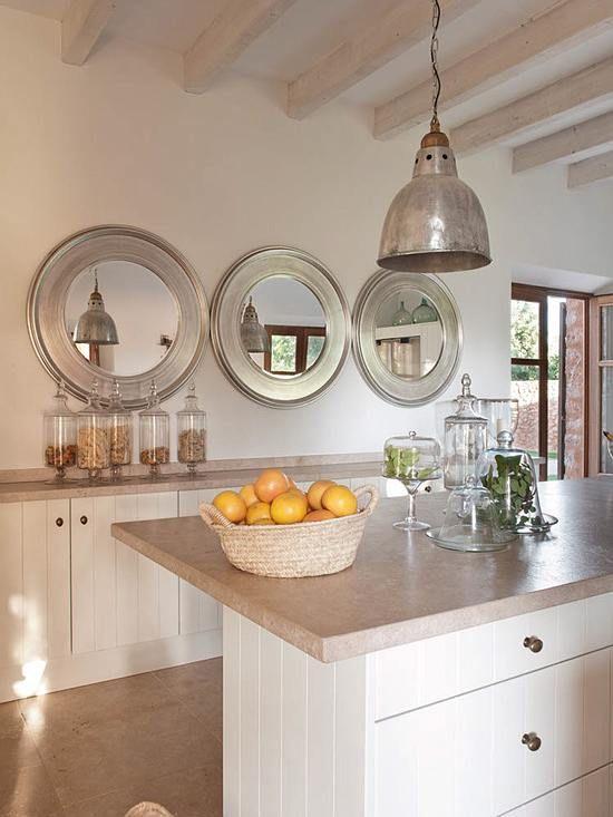 Decora con espejos en serie complementos decorativos y for Accesorios decorativos para cocina