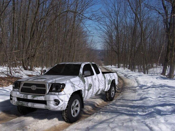Pick up covered with Total Camo's Winter X-Forest self-adhesive camouflage.