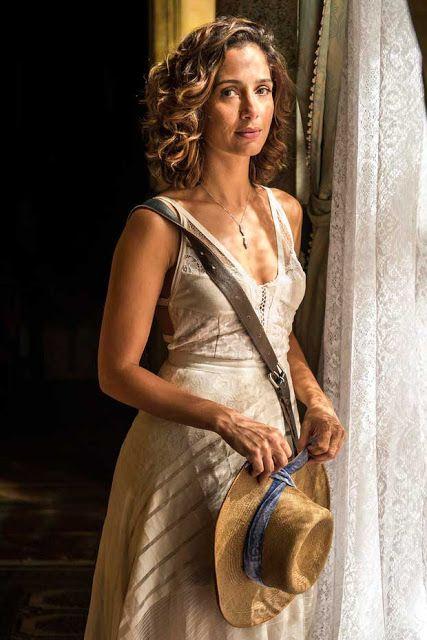 Maria tereza (Camila Pitanga) vestido branco velho chico, novela. Soap Opera Brazilian