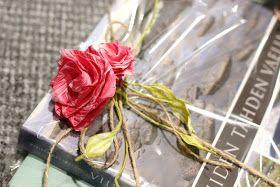 Sweet things: Ruusuilla kruunattu