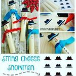 Free printable hats for these adorable string cheese snowmen. A fast and easy DIY treat for kids, both fun and healthy. Perfect for school Christmas parties #ontheblogtoday #treats #diy #kids #partyIdeas #schoolcraft #snowday