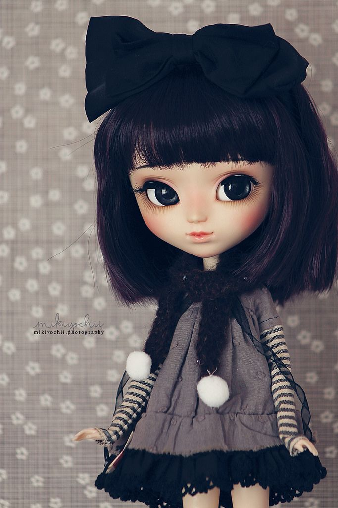 https://flic.kr/p/Ssup4K   Face up on a Pullip   Only a doll guest. Tried some clothes and a wig on the previous face up <3 Little cutie, isn't she? *__*