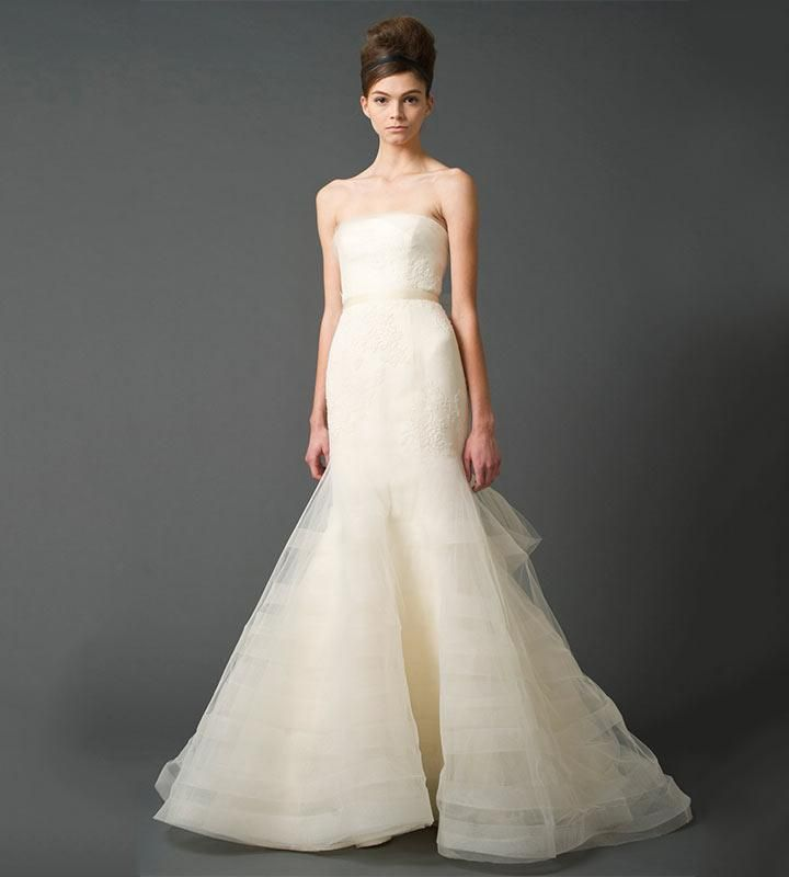 Simple Vera Wang Sample Sale ing up in London london bridalsale fashion