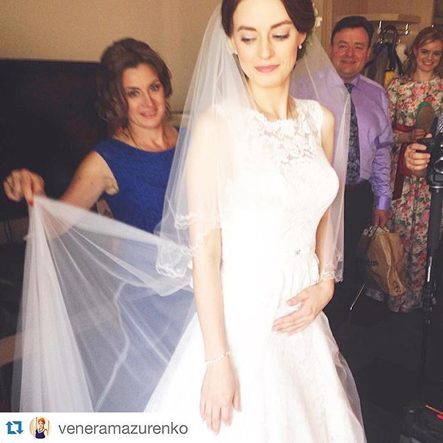 park_inn_pulkovskaya: Magical moments: wedding preparations in #parkinnpulkovskaya   IG @ veneramazurenko Сборы красавицы невесты Натальи  #невеста #нежно #свадьба #Saintpetersburg #style #weddingstyle #bride #bridal #beautiful #love #weddingveil #sayido