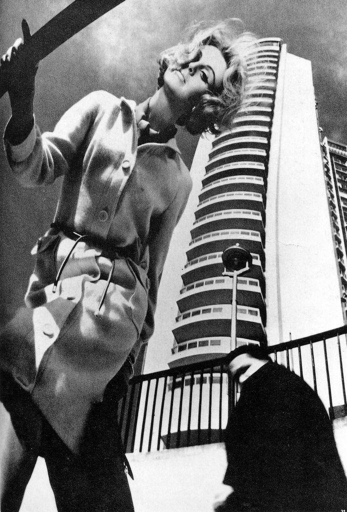 Vogue UK, August 1963. Photo: Bill Silano.
