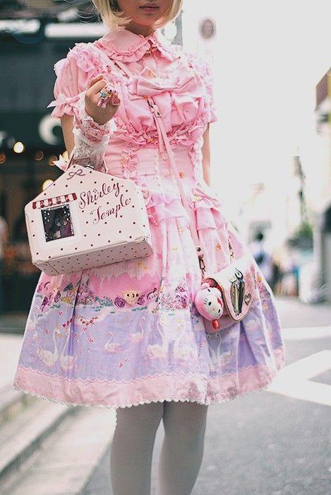 Lolita pink overload <3