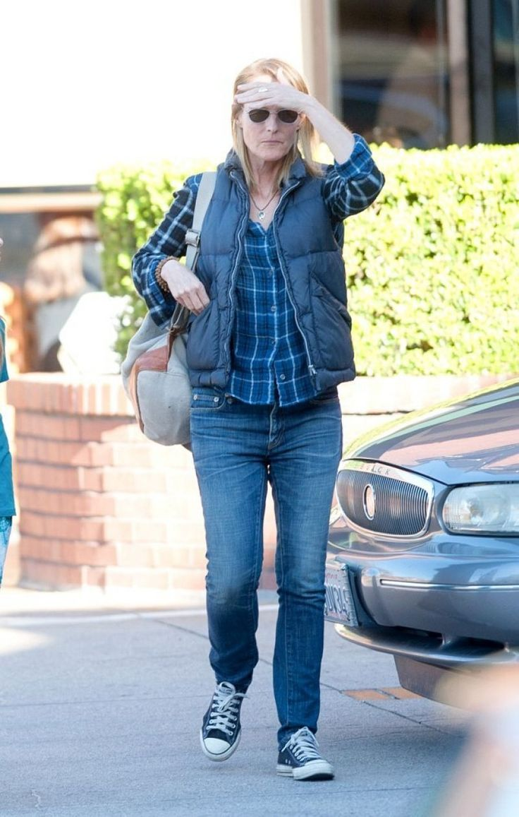Helen Hunt seen with her boyfriend and daughter in Brentwood - http://celebs-life.com/?p=73270