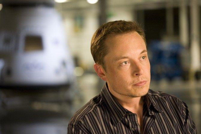 EL CEO de Tesla y SpaceX ha empezado a apoyar a la startup *Neuralink*, especializada en inteligencia artificial.
